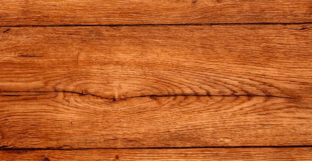 Malowanie drewna na zewnątrz – czym najlepiej malować