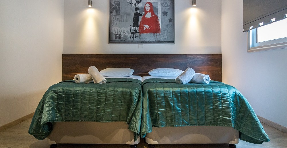 Jak dobrać meble do sypialni?