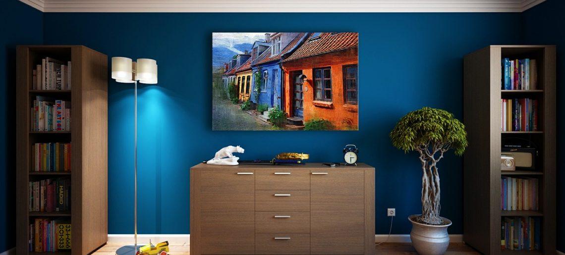 Czyste ściany w holu i przedpokoju – jakimi farbami je pomalować?